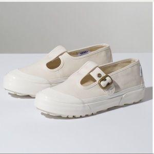 VANS   Anaheim Mary Jane Style 93 Chunky Sneaker